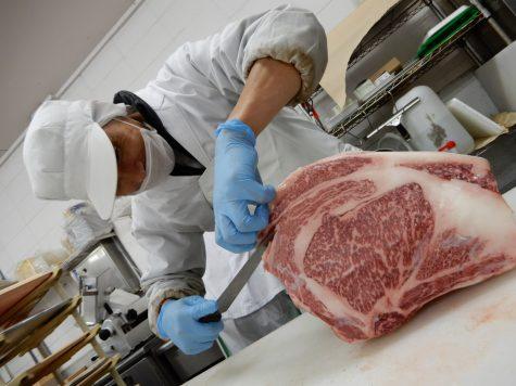 鳥取営業所食肉加工センタースタッフ正社員募集【急募】